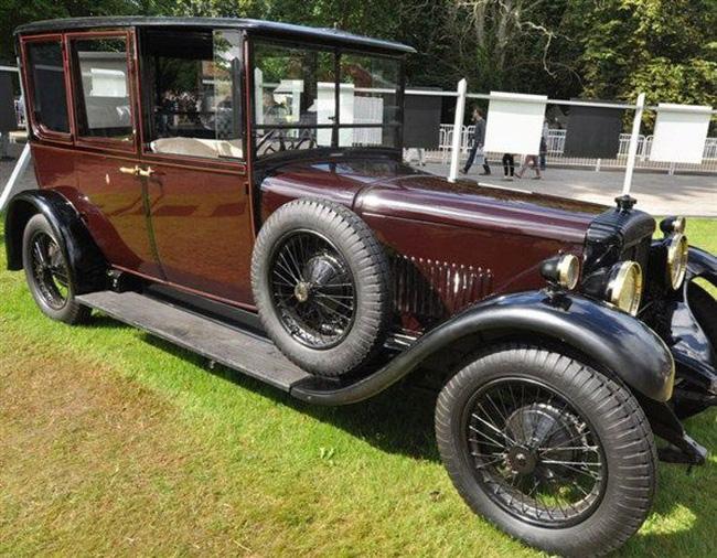 Nữ hoàng không có bằng lái xe nhưng bộ sưu tập xe hơi của bà khiến nhiều người phải choáng ngợp-13