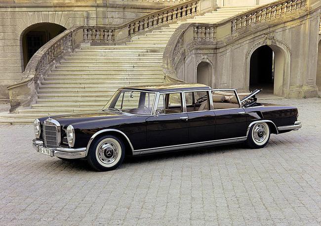 Nữ hoàng không có bằng lái xe nhưng bộ sưu tập xe hơi của bà khiến nhiều người phải choáng ngợp-4