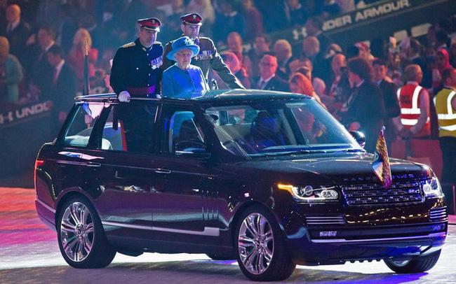 Nữ hoàng không có bằng lái xe nhưng bộ sưu tập xe hơi của bà khiến nhiều người phải choáng ngợp-26