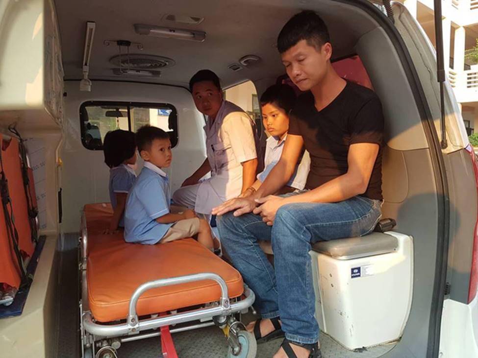 Vụ hàng trăm học sinh ở Ninh Bình nghi ngộ độc: Ruốc gà có mùi kinh lắm con không ăn-3