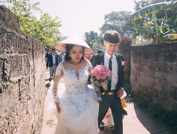 Chú rể trẻ Lạng Sơn khóc như một dòng sông dắt tay cô dâu trong ngày cưới-2