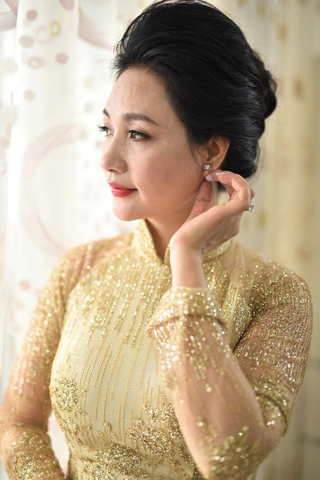 Điểm chung bất ngờ trong đám cưới Lan Khuê - Tú Anh - Thu Ngân: Mẹ cô dâu xinh đẹp, thu hút không kém con gái-7