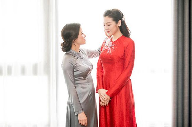 Điểm chung bất ngờ trong đám cưới Lan Khuê - Tú Anh - Thu Ngân: Mẹ cô dâu xinh đẹp, thu hút không kém con gái-4
