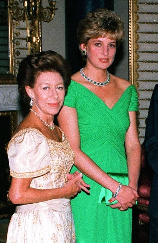 Không phải bà Camilla, đây mới chính là thành viên Hoàng gia chán ghét Công nương Diana ra mặt, đến dự lễ tang cháu dâu cũng không thèm cúi đầu-1
