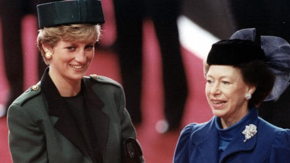 Không phải bà Camilla, đây mới chính là thành viên Hoàng gia chán ghét Công nương Diana ra mặt, đến dự lễ tang cháu dâu cũng không thèm cúi đầu-2