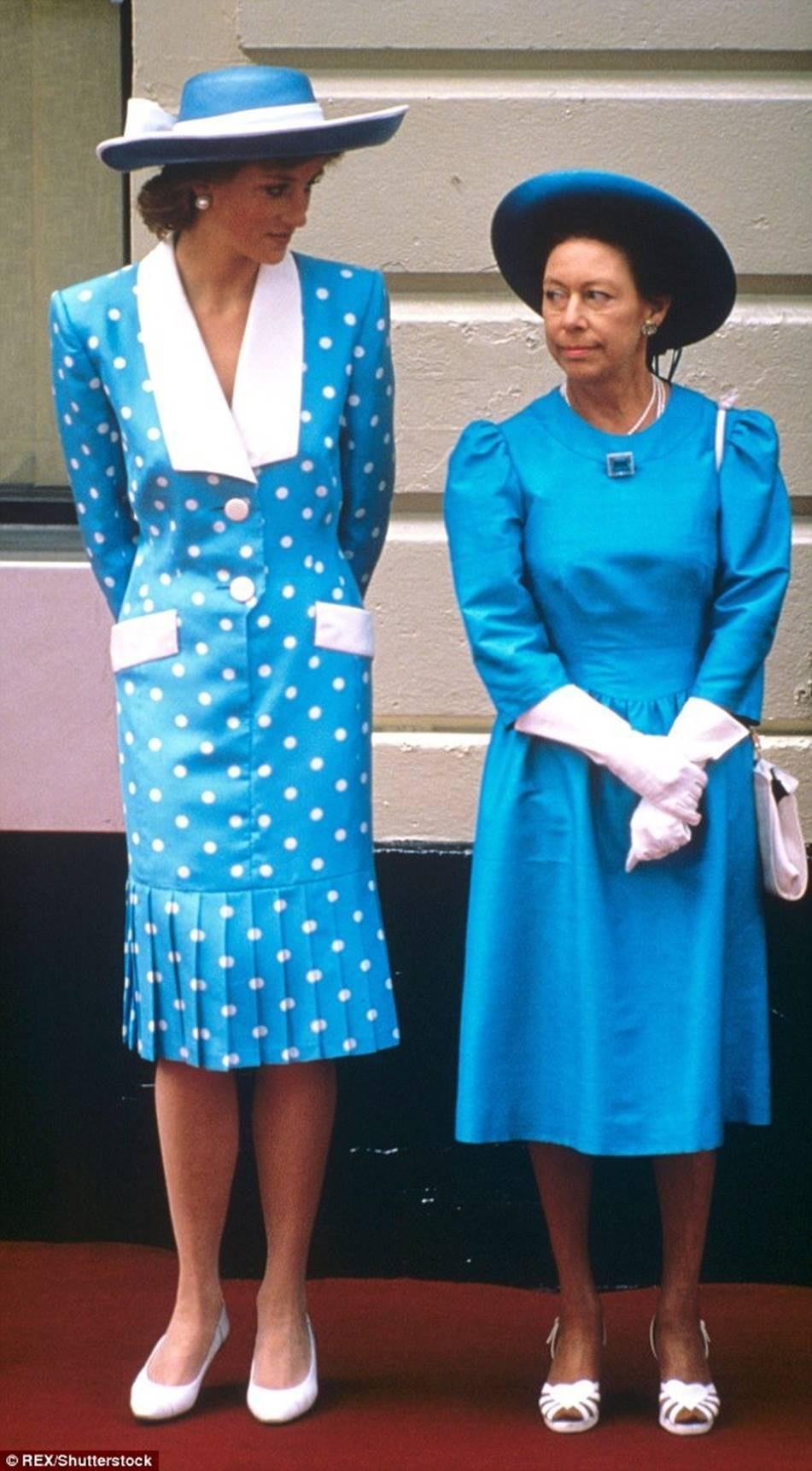 Không phải bà Camilla, đây mới chính là thành viên Hoàng gia chán ghét Công nương Diana ra mặt, đến dự lễ tang cháu dâu cũng không thèm cúi đầu-3