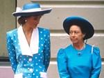 """Sau cuộc khẩu chiến nảy lửa với em dâu, bà Camilla ra tay trả thù"""" trong đám cưới hoàng gia sắp tới bằng hành động không ai dám làm-3"""