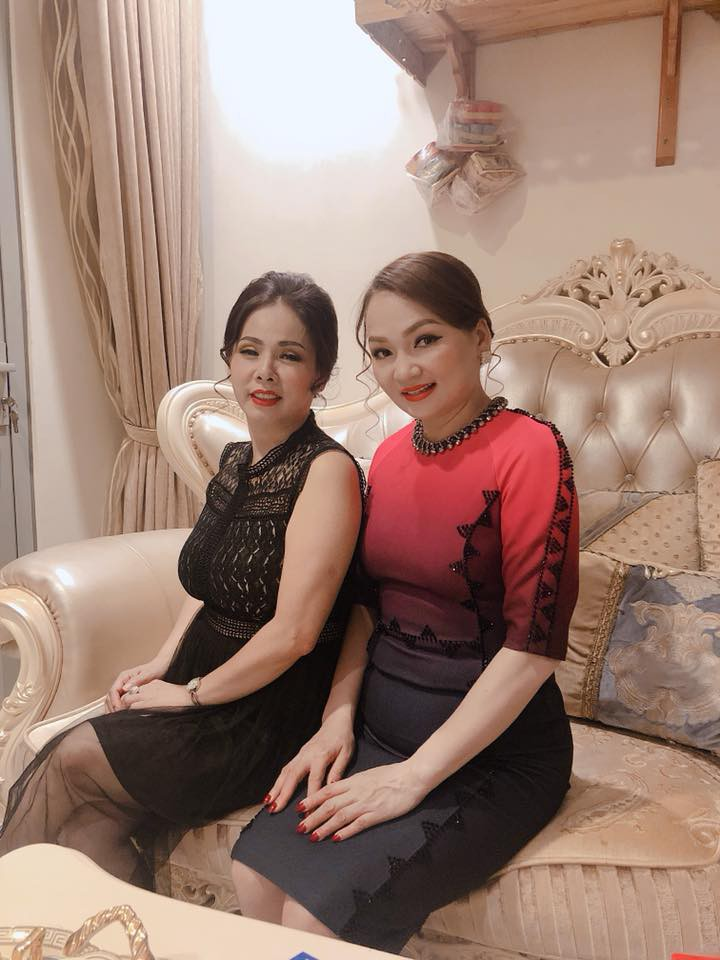 Ngắm nhan sắc và style của các bà mẹ mới hiểu vì sao các bông Hậu của Vbiz lại xinh đẹp duyên dáng đến vậy-19