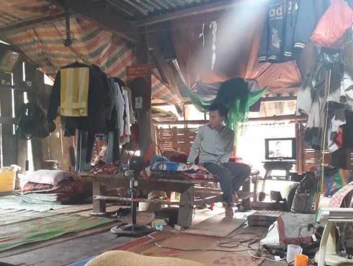 Bị Trường Sĩ quan Thông tin trả về, nam sinh Nghệ An vào rừng hái măng kiếm sống-3