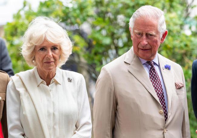 """Sau cuộc khẩu chiến nảy lửa với em dâu, bà Camilla ra tay trả thù"""" trong đám cưới hoàng gia sắp tới bằng hành động không ai dám làm-2"""