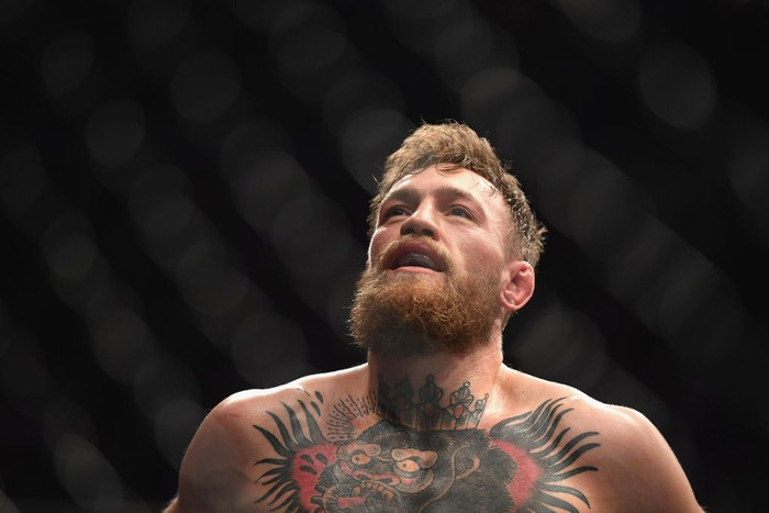 Gã điên McGregor thua đau trong lần tái xuất, tạo ra vụ ẩu đả chưa từng có trong lịch sử UFC-3