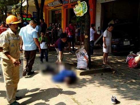 Ô tô tông trúng xe máy rồi lao thẳng vào cửa hàng đồ gỗ khiến nam công nhân tử vong-2