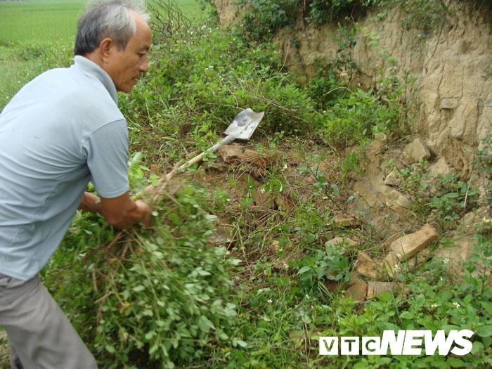 Thoải mái tàn phá nghĩa địa mộ cổ khổng lồ chứa cả tấn báu vật ở Hải Dương-6