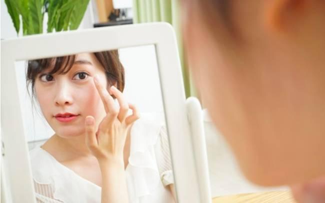 Đến Nhã Phương chắc cũng cần áp dụng cách này mới có thể giảm bớt nếp nhăn quanh mắt-1