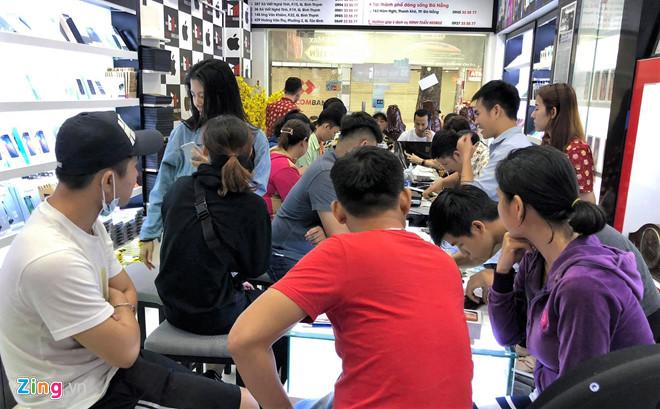 Giá iPhone XS Max 2 SIM rẻ hơn bản 1 SIM tại Việt Nam-3