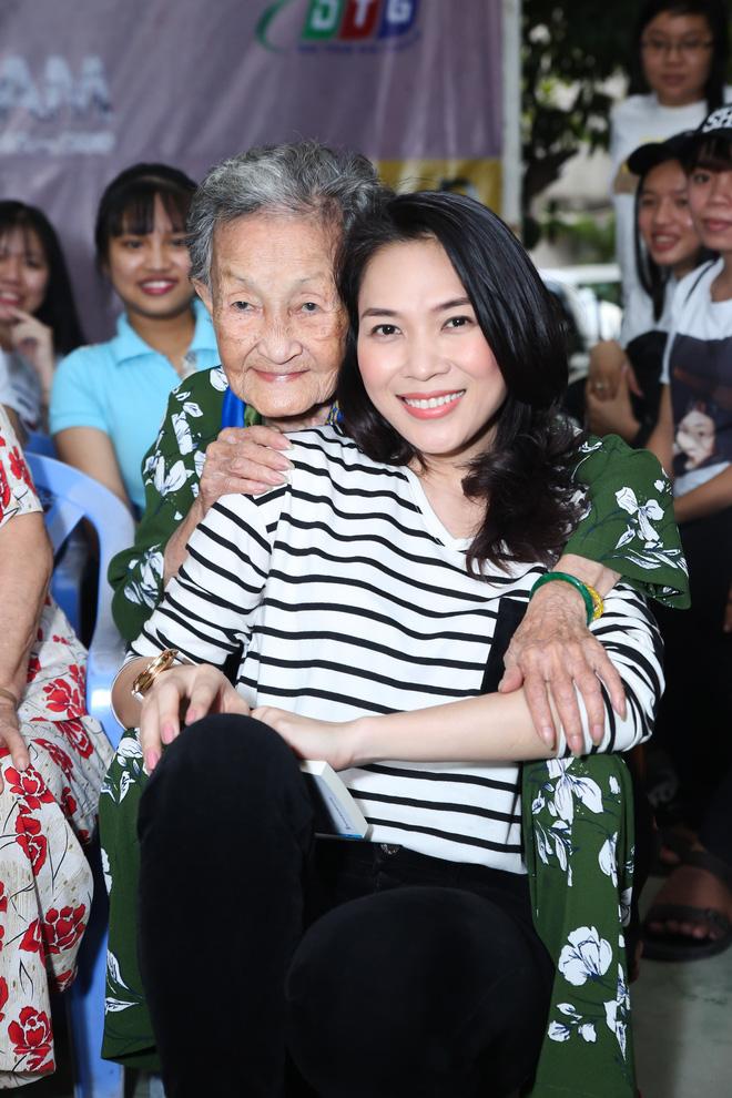 Có khối tài sản không phải dạng vừa nhưng những sao Việt này lại được yêu mến bởi lối sống giản dị-5