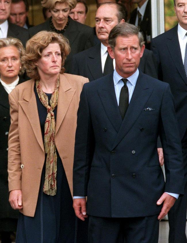 Tài xế thân cận tiết lộ thông tin chưa từng biết tới trong đêm đầu tiên bảo vệ thi thể Công nương Diana tại căn phòng phủ kín chăn-4