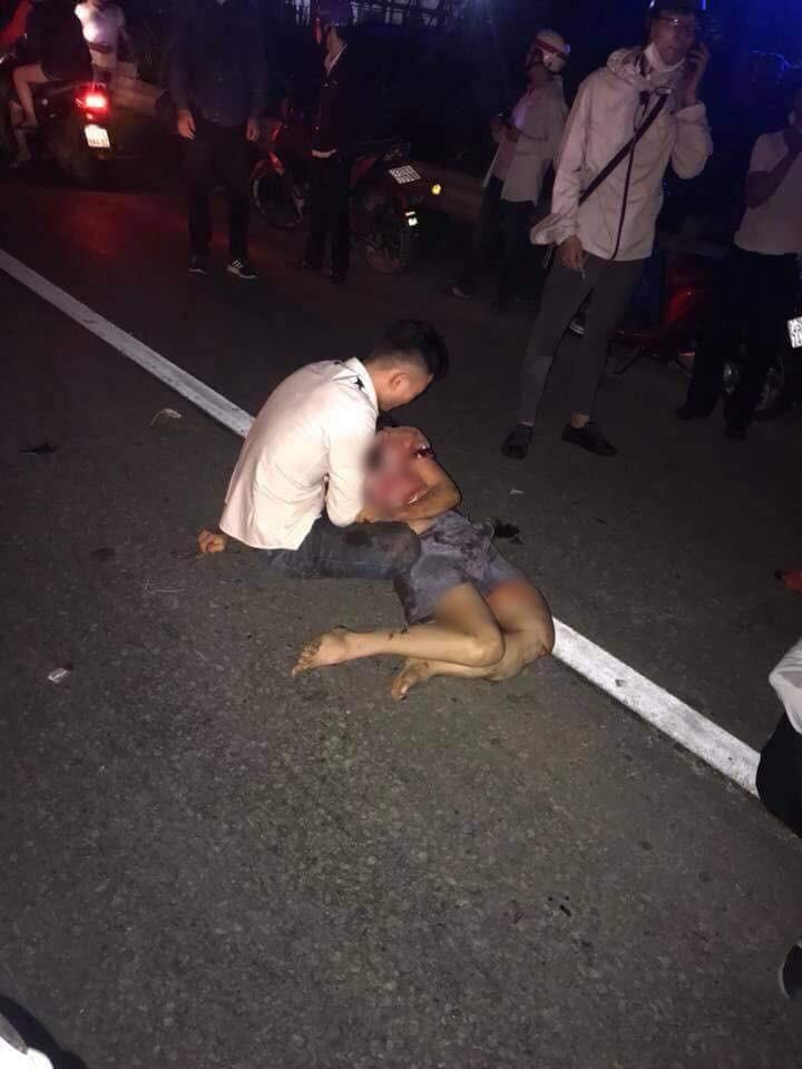 Thanh niên lái xe máy phóng quá tốc độ gây tai nạn, một phụ nữ mang thai chết thảm-1