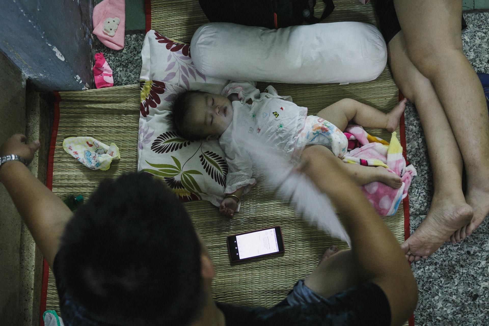 Bệnh viện Nhi ở Sài Gòn vỡ trận vì dịch chồng dịch-31