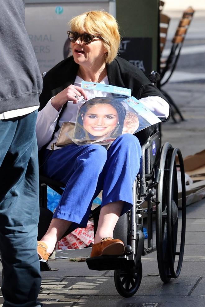 Đi xe lăn đến Cung điện Hoàng gia để nói lời xin lỗi, chị gái Meghan Markle bị vệ sĩ đuổi thẳng cổ-5