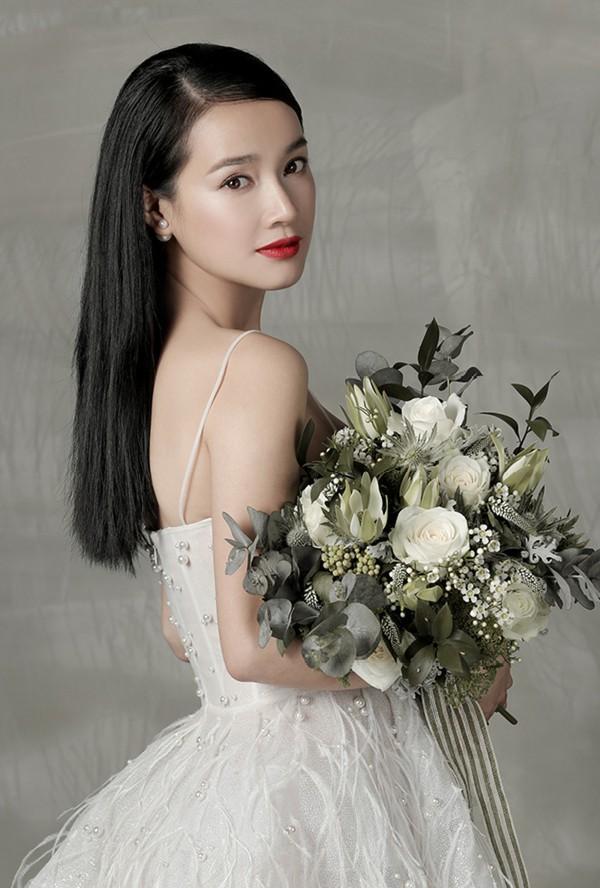 Nhã Phương - Lan Khuê: Thật khó để nói ai mới là cô dâu xinh đẹp nhất!-5