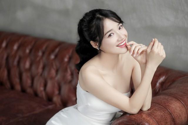 Nhã Phương - Lan Khuê: Thật khó để nói ai mới là cô dâu xinh đẹp nhất!-8