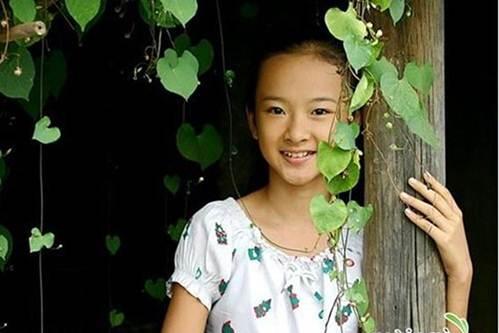 Lạm dụng tắm trắng, Angela Phương Trinh ngày càng gây hốt hoảng với vẻ ngoài bạch tạng?-1