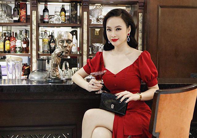 Lạm dụng tắm trắng, Angela Phương Trinh ngày càng gây hốt hoảng với vẻ ngoài bạch tạng?-7