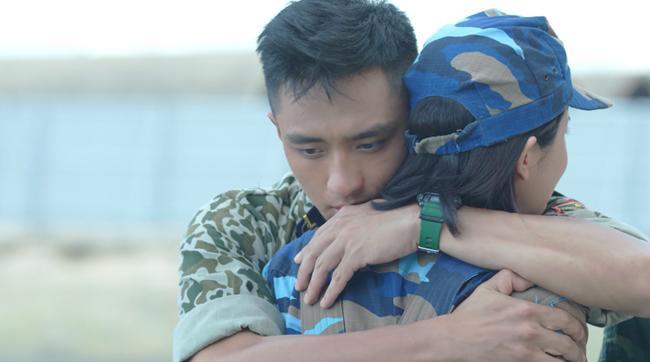 Hậu Duệ Mặt Trời Việt: Nụ hôn rượu vang chết trong tay Khả Ngân vì... quá nhạt-10