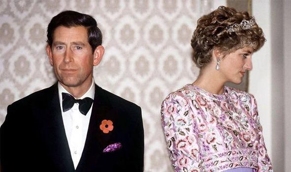 Lần đầu hé lộ cuộc điện thoại bí mật của Thái tử Charles trong bồn tắm đã bóp nát trái tim Công nương Diana-2
