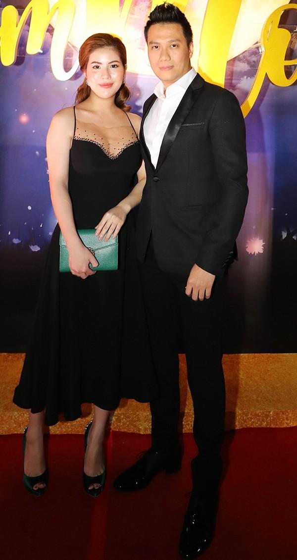 """Hành động bất ngờ của Việt Anh và vợ sau khi để trạng thái độc thân"""", nghi xảy ra mâu thuẫn-6"""