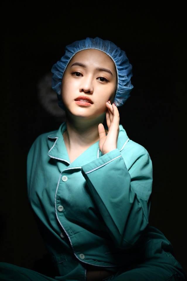 Sau khi đại trùng tu nhan sắc, hot girl thị phi Thúy Vi ngày càng chăm hở hang, khoe ngực triệt để-9