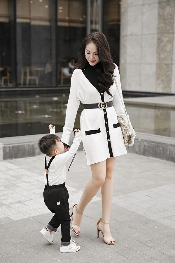 Dương Cẩm Lynh cùng con trai chụp bộ ảnh nhân dịp sinh nhật bé tròn hai tuổi-1