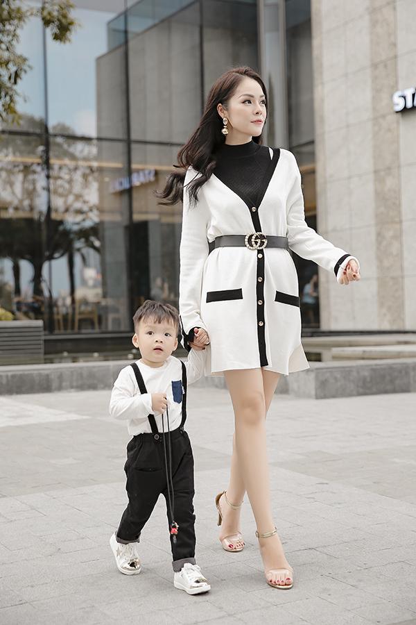 Dương Cẩm Lynh cùng con trai chụp bộ ảnh nhân dịp sinh nhật bé tròn hai tuổi-5