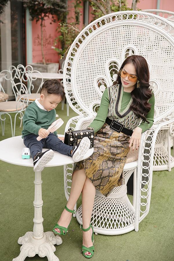 Dương Cẩm Lynh cùng con trai chụp bộ ảnh nhân dịp sinh nhật bé tròn hai tuổi-7