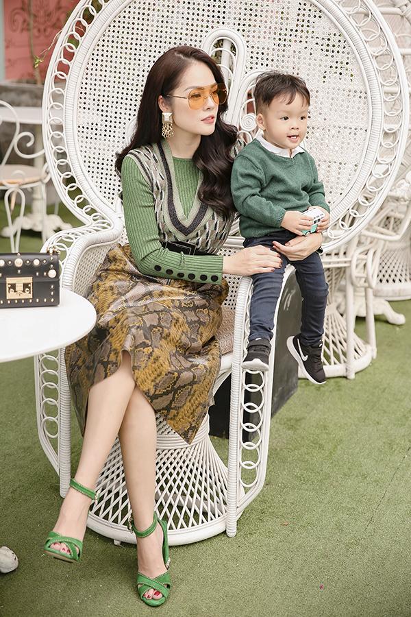 Dương Cẩm Lynh cùng con trai chụp bộ ảnh nhân dịp sinh nhật bé tròn hai tuổi-8