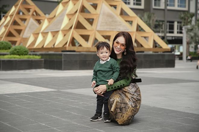 Dương Cẩm Lynh cùng con trai chụp bộ ảnh nhân dịp sinh nhật bé tròn hai tuổi-10
