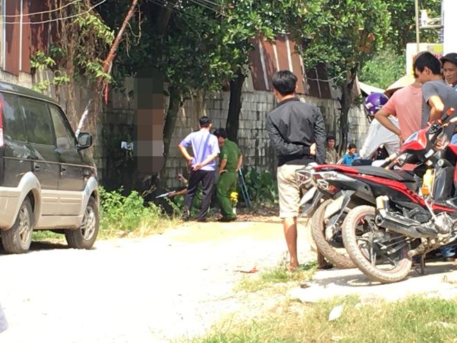 Đi đổ rác trước nhà, người phụ nữ phát hiện hàng xóm treo cổ trên cây mít-3