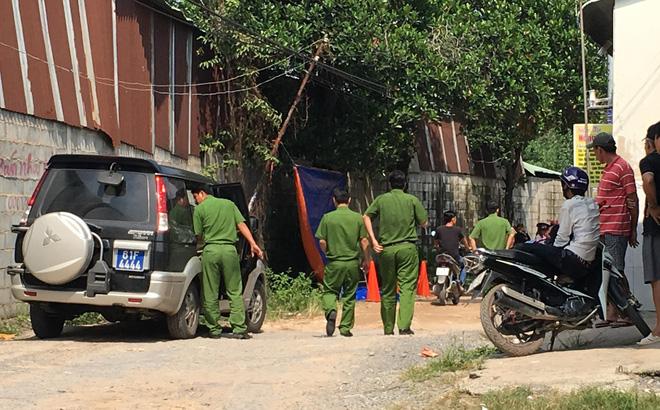 Đi đổ rác trước nhà, người phụ nữ phát hiện hàng xóm treo cổ trên cây mít-1
