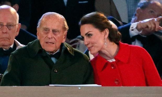 Mối quan hệ đặc biệt giữa Công nương Kate với thành viên quyền lực nhất nhì Hoàng gia Anh này khiến bà Camilla vừa ngưỡng mộ vừa ghen tị-3