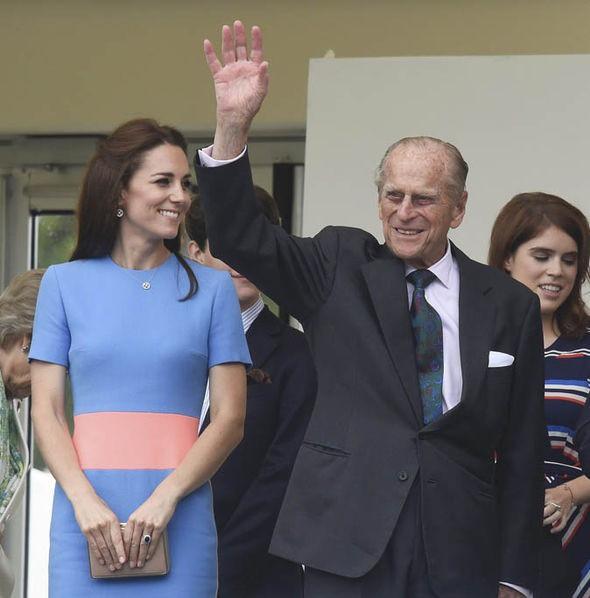 Mối quan hệ đặc biệt giữa Công nương Kate với thành viên quyền lực nhất nhì Hoàng gia Anh này khiến bà Camilla vừa ngưỡng mộ vừa ghen tị-6