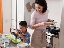Mẹ trẻ có tư tưởng tiến bộ: Dạy con trai làm một việc mà trước nay ai cũng nghĩ chỉ dành cho con gái