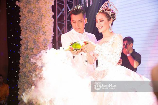 Lâm Khánh Chi chia sẻ về đám cưới bị lỗ mà ai cũng cười: 650 người nghĩ sao đi có 350 bao thư vậy trời-1