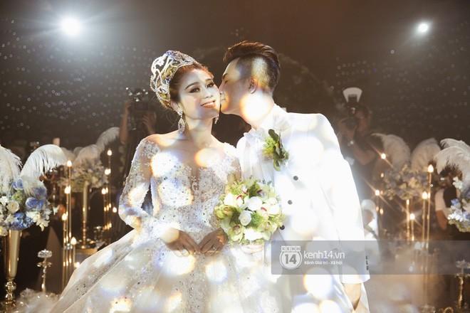 Lâm Khánh Chi chia sẻ về đám cưới bị lỗ mà ai cũng cười: 650 người nghĩ sao đi có 350 bao thư vậy trời-2