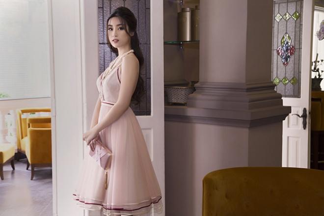 Sau nhiệm kỳ Hoa hậu, Đỗ Mỹ Linh khoe thần thái rạng ngời trong bộ ảnh mới-3