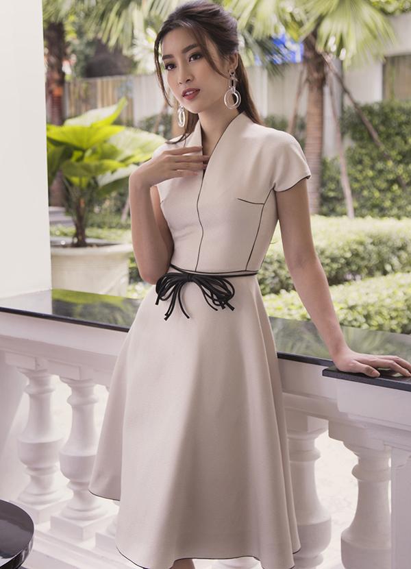 Sau nhiệm kỳ Hoa hậu, Đỗ Mỹ Linh khoe thần thái rạng ngời trong bộ ảnh mới-5