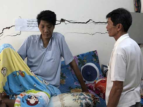 Nam thanh niên người Việt bất ngờ cao 2,5m sau đợt sốt kéo dài-1