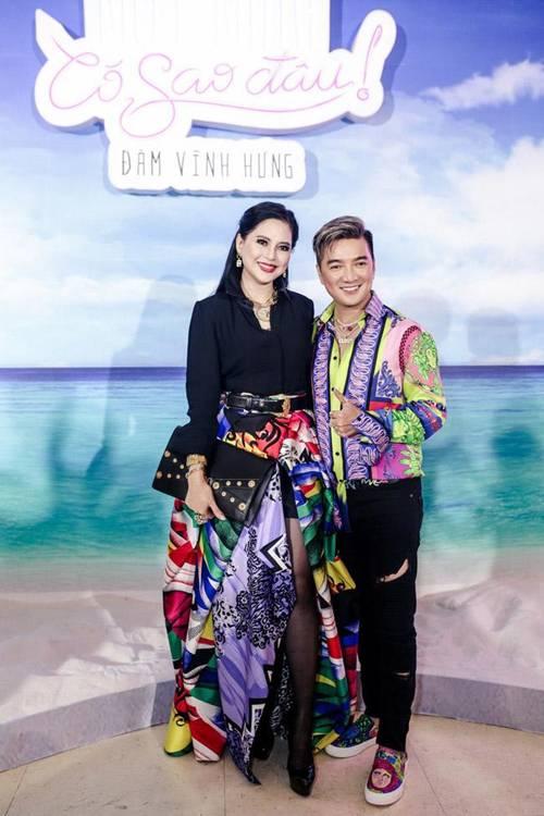 Mẹ chồng U50 của Tăng Thanh Hà cân hết dàn ngôi sao quốc tế khi đụng váy hiệu-1