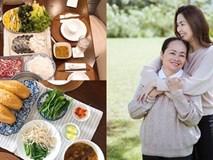 Tăng Thanh Hà khoe bàn tiệc thịnh soạn do mẹ đẻ nấu ngon và đẹp mắt như nhà hàng
