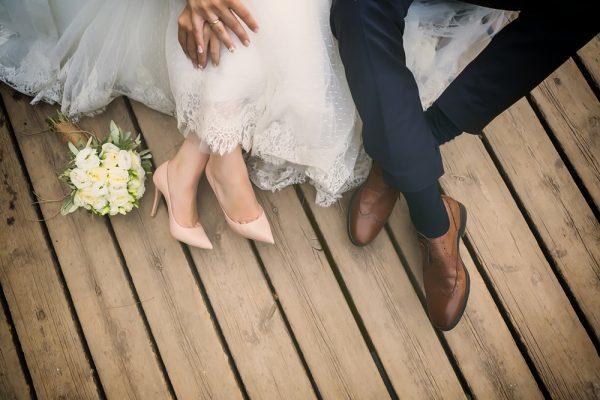 Từ nước ngoài trở về, vợ tá hỏa vì chồng làm đám cưới với người khác-1